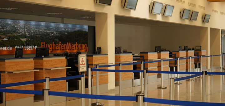 airport-932092_1280